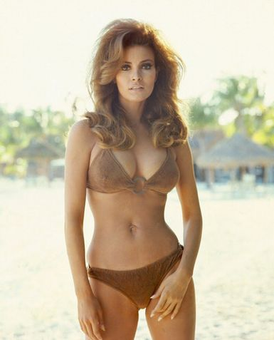 These Hollywood Moms Were Bathing-Suit Beauties in the 1960's