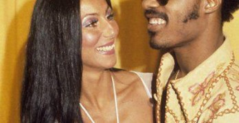Throwback Thursday: Cher Hanging Out with Stevie Wonder at the 1974 Grammys
