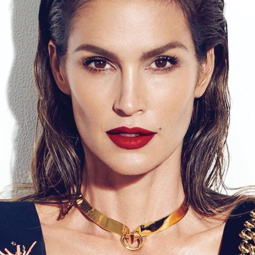 "Cindy Crawford Addresses ""Untouched"" Photo of Herself, Talks Social Bullying"