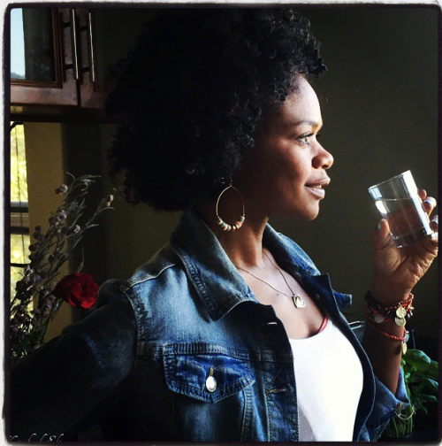 Kimberly Elise Shares 8 Reasons to Drink Apple Cider Vinegar