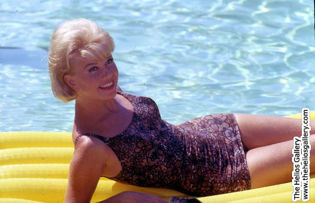 These Hollywood Moms Were Bathing-Suit Beauties in the 1950's