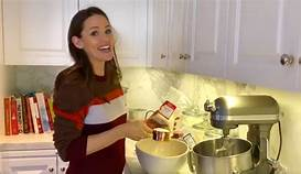 Celebrity Mom Recipe of the Week! Jennifer Garner's Granola Bars!
