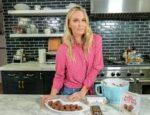 Molly Sims Shares What She Eats in A Day (Video)