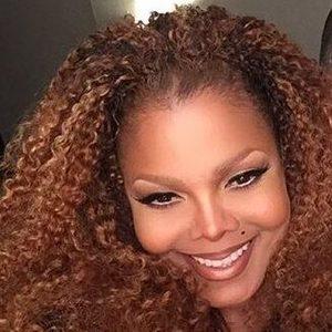 Pregnant Celebrities Over 50